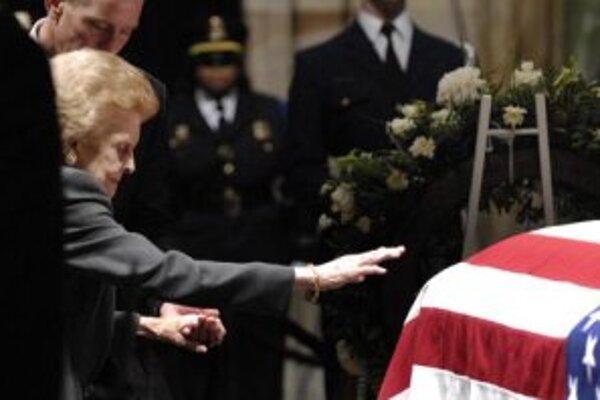 Bývalá prvá dáma USA Betty Fordová na pohrebe svojho manžela.