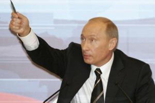 Vladimír Putin na tlačovej konferencii.