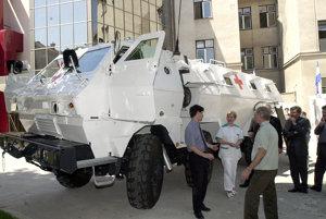 Rýchle obrnené zdravotnícke vozidlo Tatrapan na podvozku Tatra bolo predstavené v roku 2001, vyrábalo sa v detvianskych strojárňach PPS.