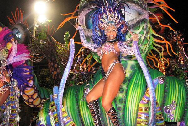 Samba na karnevale v Rio de Janeiro