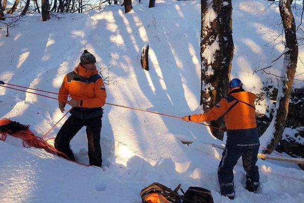 Horskí záchranári v akcii.