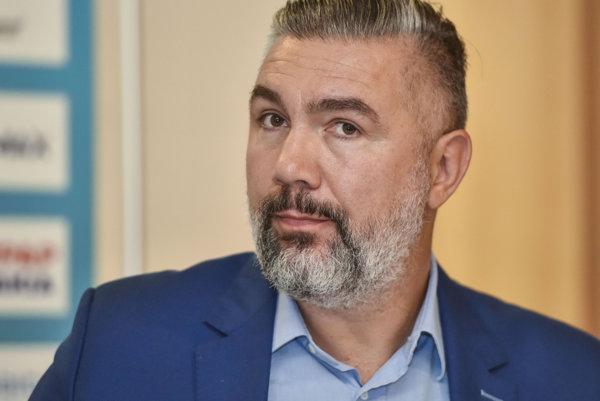 Martin Kraščenič vo funkcii nahradí Ľubora Halandu.