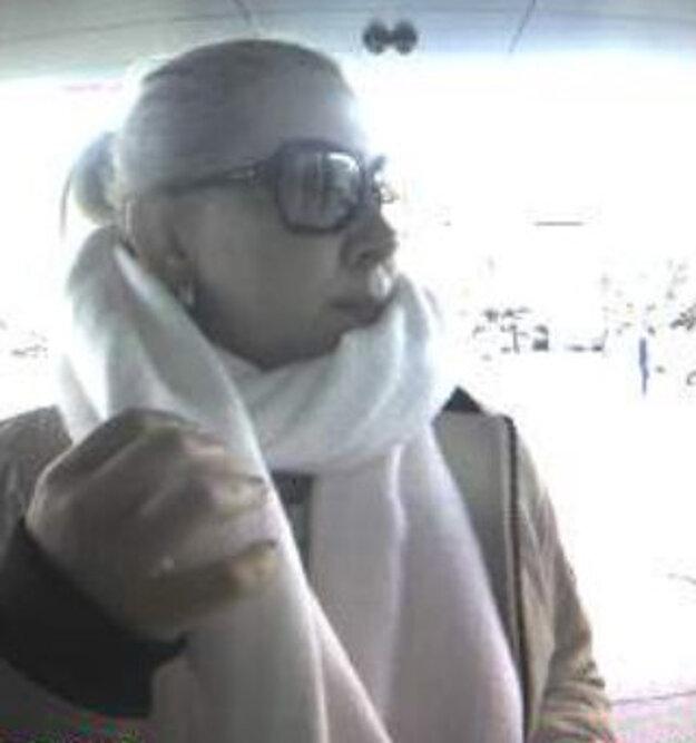 Túto ženu hľadajú policajti.