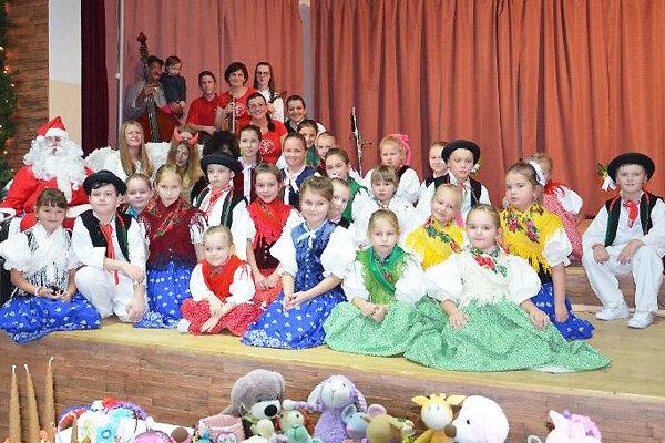 O kultúrny program sa postarali aj deti.