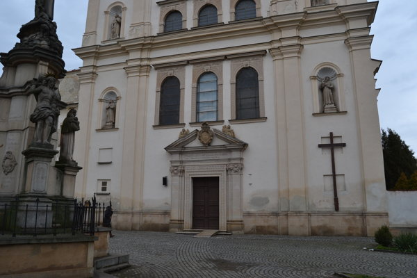 Kostol svätého Jozefa. Ďalšie scény sa odohrávali práve v ňom.