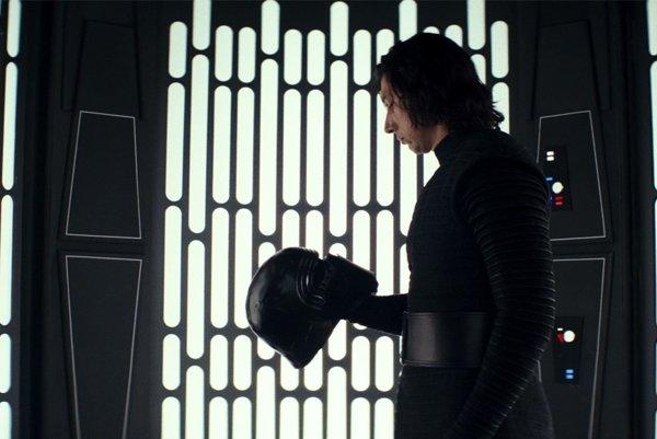 Nové Star Wars ovláda Adam Driver.