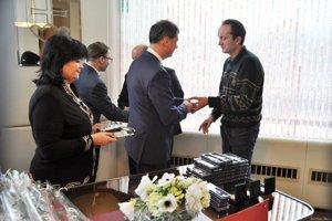 V priestoroch Mestského úradu v Čadci ocenili darcov krvi.