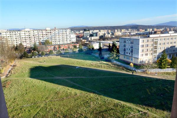 Miesto výstavby. Tu má vyrásť moderné študentské mestečko.