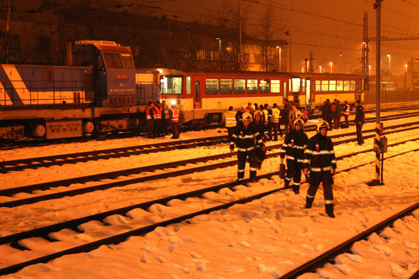 Vo Zvolene sa zrazili dva vlaky.