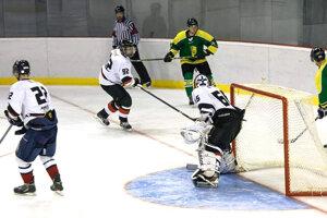Levickým hokejistom sa v15. kole II. ligy nepodarilo prekonať domáceho brankára.