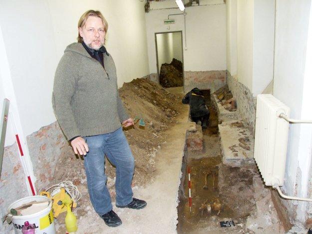 Archeológ Peter Bisták z krajského pamiatkového úradu.