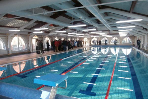 Krytý plavecký bazén.