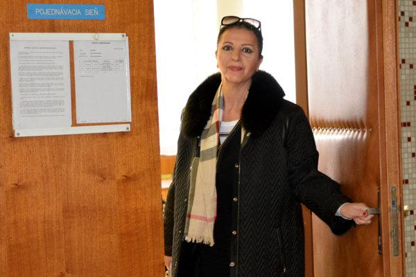 Proces s Eleonórou Kabrheľovou Mojsejovou bratislavský sudca odročil.
