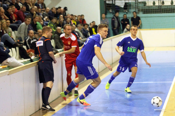 Vlani vo finále medzi Čeľadicami a Bábom po remíze 4:4 rozhodli až penalty o triumfe štvrtoligistu.