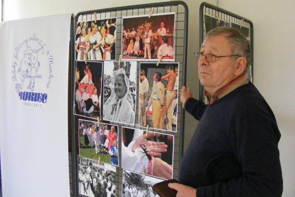 Ján Linceni na nedávnej výstave fotografií k 35. výročiu vzniku Detského folklórneho súboru Turiec.