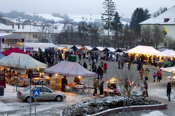 Mesto Stropkov počas Vianoc.