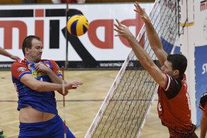 Opora Šarišanov. Ľuboš Macko (vpravo) patrí po základnej časti extraligy medzi najlepších blokárov súťaže.