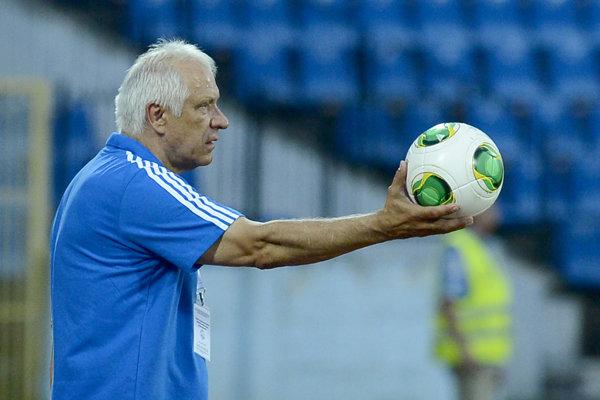 Dušan Galis ako tréner Slovana v roku 2013.