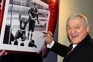 Jozef Golonka je členom Siene slávy IIHF (od roku 1999), Siene slávy slovenského hokeja (2002), Siene slávy nemeckého hokeja (2004) i Siene slávy českého hokeja (2010).