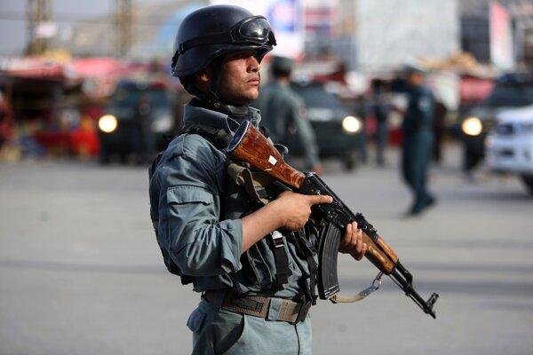 Príslušník afganských bezpečnostných jednotiek.