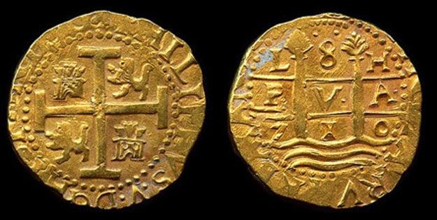 Zlaté mince z roku 1710 nájdené v jednej z trosiek lodí, ktorá bola súčasťou flotily nesúcej poklad