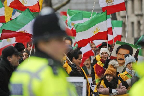 Irán zažíva od minulého štvrtka vlnu protestov.