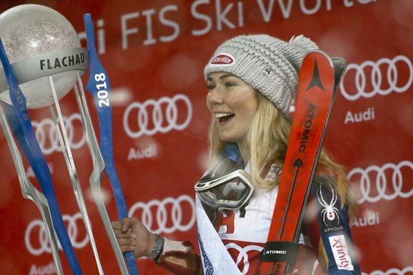 Mikaela Shiffrinová sa raduje z triumfu v slalome vo Flachau.