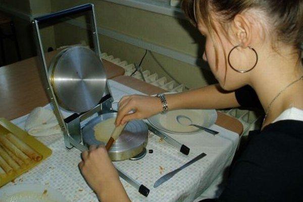 Pečenie trubičiek zvládnu mnohí  žiaci bez problémov.