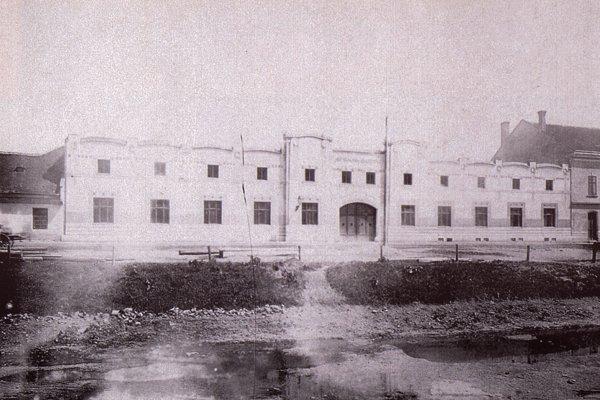 Košická tabaková továreň.