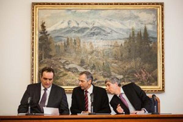 Dohoda Pavla Freša, Jána Figeľa a Bélu Bugára platí,  no nie celkom úplne.