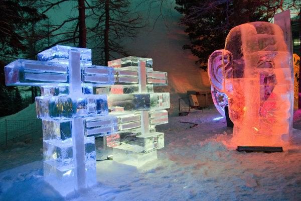 Ľadové sochy opäť vyzdobia Hrebienok.