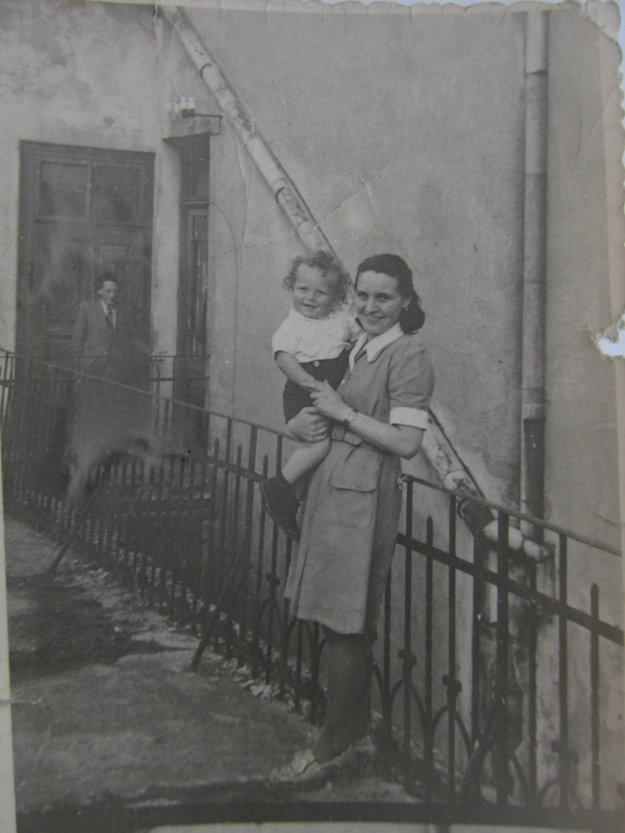 Mama s malým Ivankom.