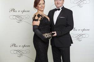 Peter Sklár s partnerkou