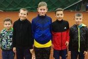 Chlapci zľava: Matteo Massi, Patrik Adamkovič, Martin Bobošík, Lukáš Záklasník, Adam Slaninák.