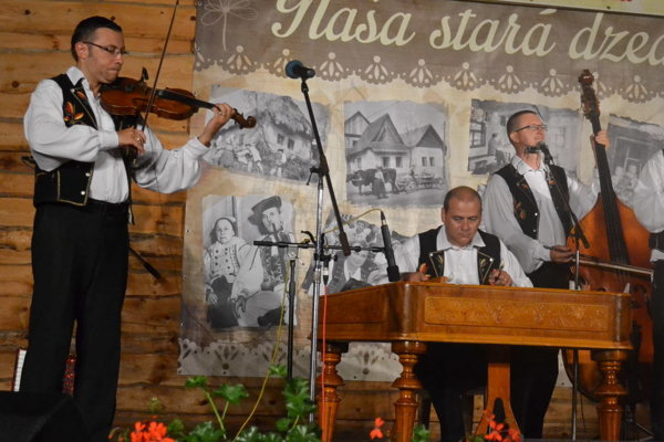 Muzika Milana Rendoša. Patrí k top cimbalovkám na východe Slovenska.