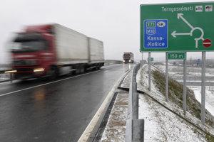 Otvorenie prihraničného úseku diaľnice M30 na slovensko-maďarskej hranici Milhosť-Tornyosnémeti.