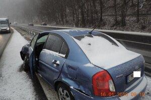 Vodič z Liptovskéo Mikuláša dostal s autom šmyk.