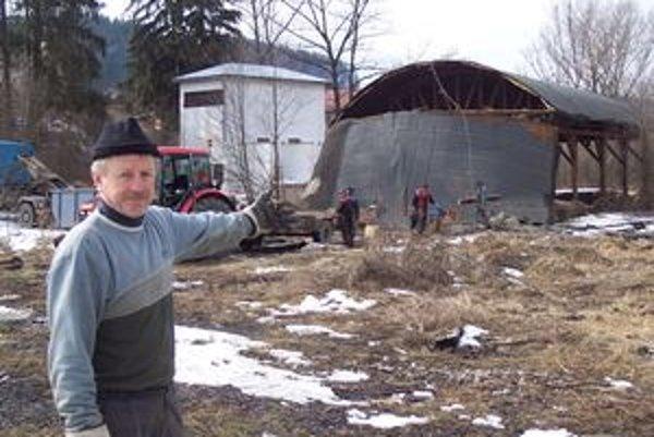 Ivan Kučerák hovorí, že zo striech zostali len škrupiny.