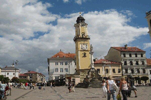 Pamiatková rezervácia v Banskej Bystrici bola vyhlásená už v roku 1955, jej ochranné pásmo dodnes chýba.