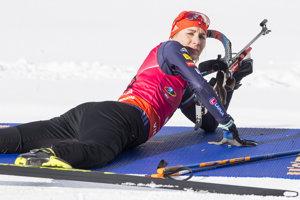 Anastasia Kuzminová na strelnici.