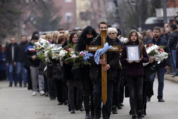 Pohreb Olivera Ivanoviča v Belehrade.