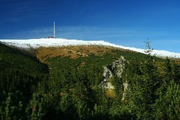 Trasa náučného chodníka vedie aj na vrchol Kráľovej hole