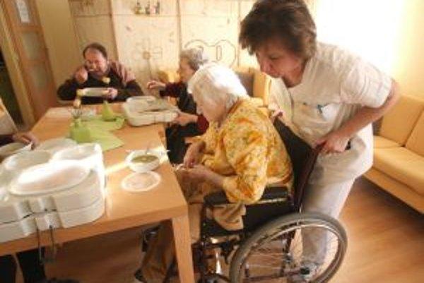 Štát hospice zatiaľ finančne nedocenil. Pomôcť sa im dá cez podporný fond  Europomoc.