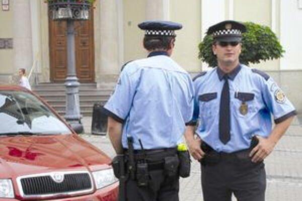 Mestským policajtom pomáha aj kamerový systém.