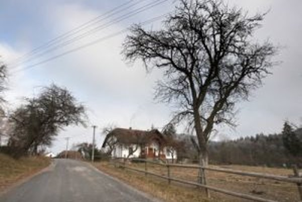 Odľahlú osadu Kyslinky kedysi spájala s civilizáciou lesná železnička, nádeje na jej obnovu sú malé