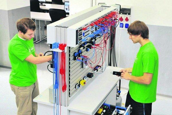 Vďaka programu Sieťových akadémií patrí Slovensko v oblasti prípravy sieťových špecialistov medzi európsku špičku.