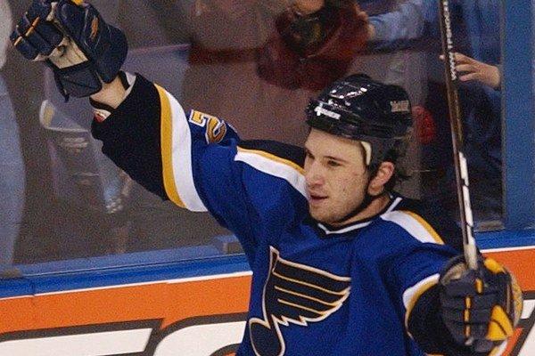 Mike Danton hrával v NHL aj v St. Louis.