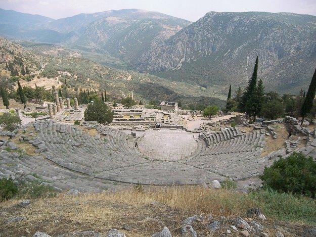Delphi je významným gréckym miestom s výnimočnou polohou.