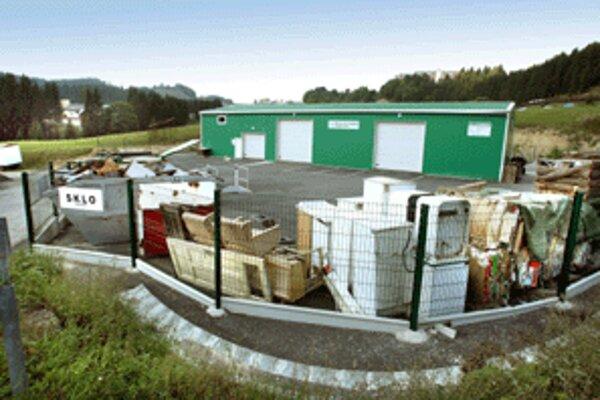Na Donovaloch sa podarilo postaviť halu na separáciu odpadu, výrazne by to malo skvalitniť jeho likvidáciu.
