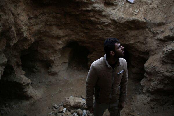 Dážď odkryl starobylé hroby na záhrade v pásme Gazy.